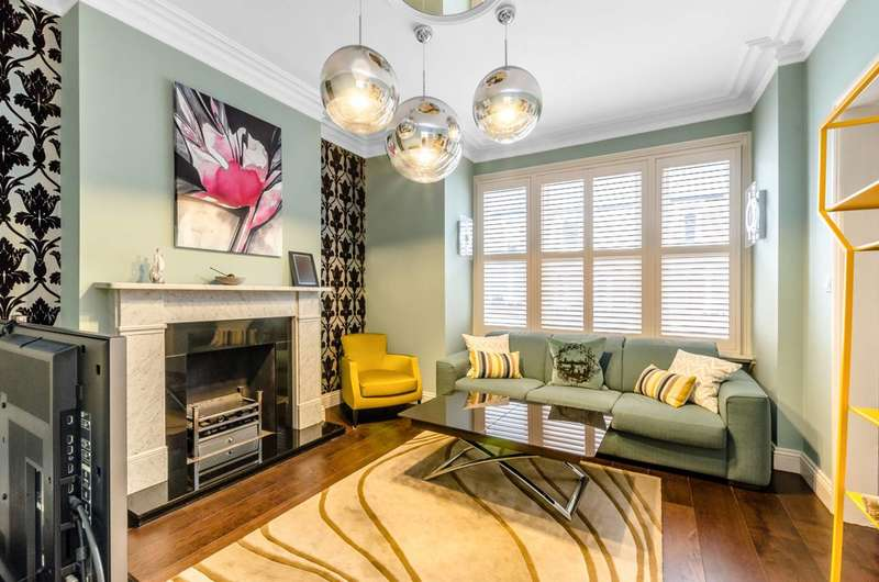 2 Bedrooms Flat for sale in Mackeson Road, Hampstead, NW3
