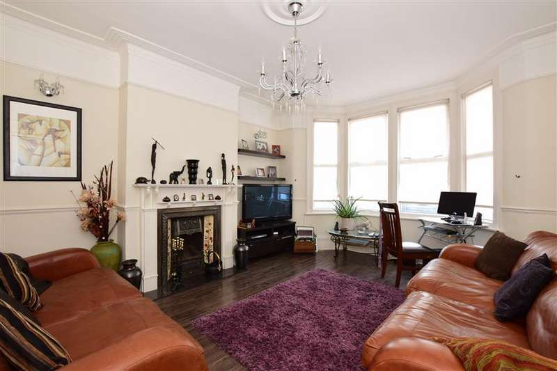 3 Bedrooms Terraced House for sale in Hertford Road, Ilford, Essex