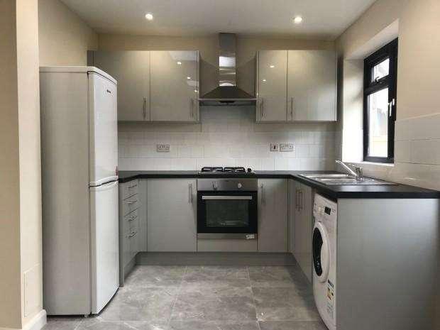 4 Bedrooms End Of Terrace House for rent in Leda Avenue, Enfield, EN3