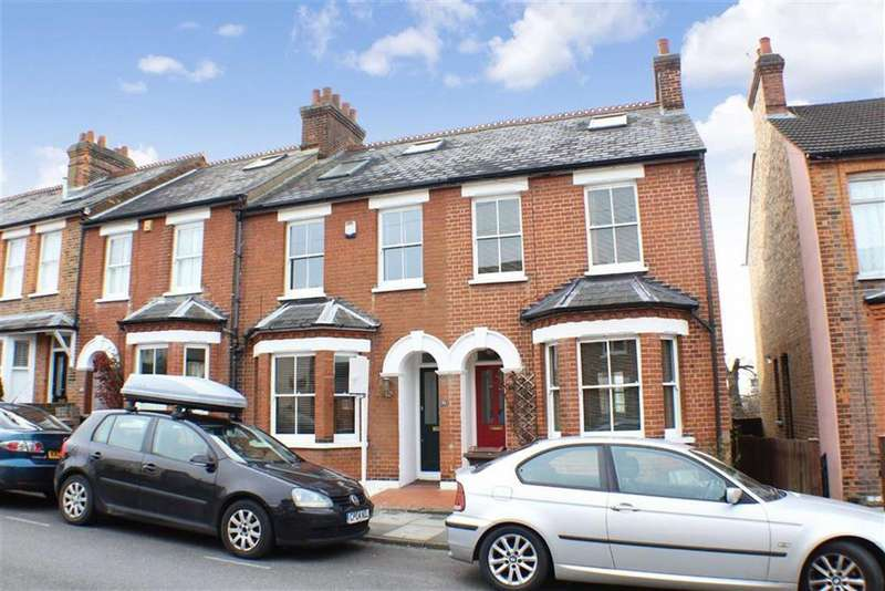3 Bedrooms Terraced House for rent in Dalton Street, St Albans, Hertfordshire