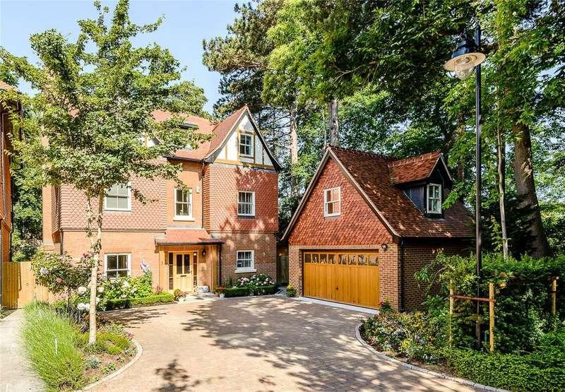 5 Bedrooms Detached House for sale in Queensbury Gardens, Ascot, Berkshire