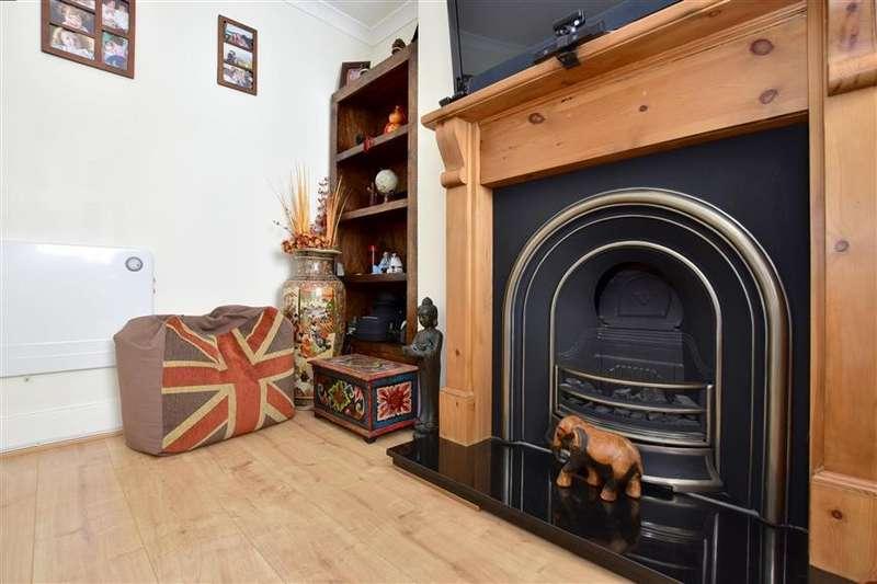 2 Bedrooms Terraced House for sale in Pembury Road, Tonbridge, Kent