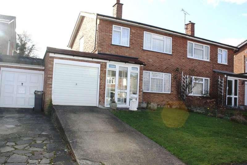 3 Bedrooms Semi Detached House for sale in Laneside, Chislehurst