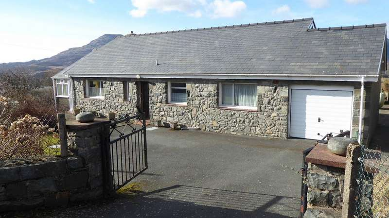 2 Bedrooms Detached Bungalow for sale in Pant Llwyd, Llan Ffestiniog LL41