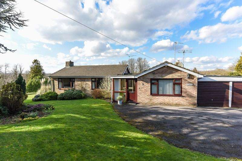 4 Bedrooms Detached Bungalow for sale in River View Close, Chilbolton, Stockbridge
