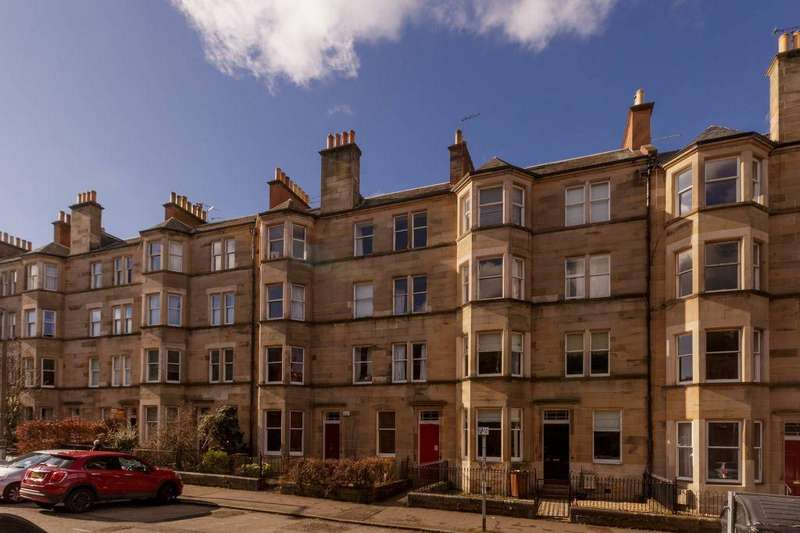 4 Bedrooms Flat for sale in 41 3F1, Spottiswoode Street, Edinburgh, EH9 1DQ