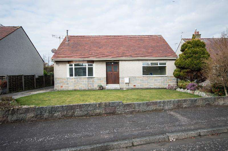 5 Bedrooms Detached House for rent in Springfield Avenue, Prestwick, South Ayrshire, KA9 2HA