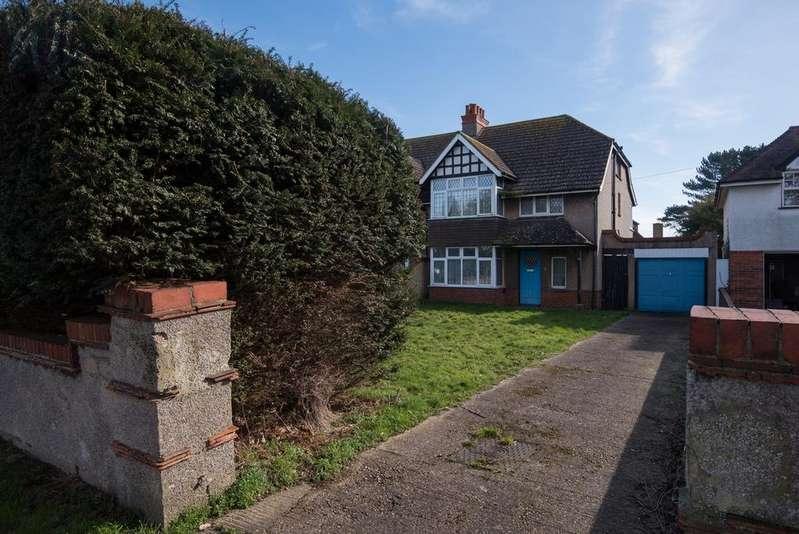 3 Bedrooms Semi Detached House for sale in Buckingham Road, Shoreham BN43