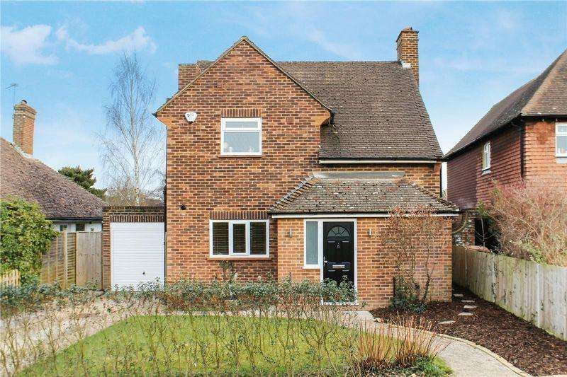 3 Bedrooms Detached House for sale in Burpham