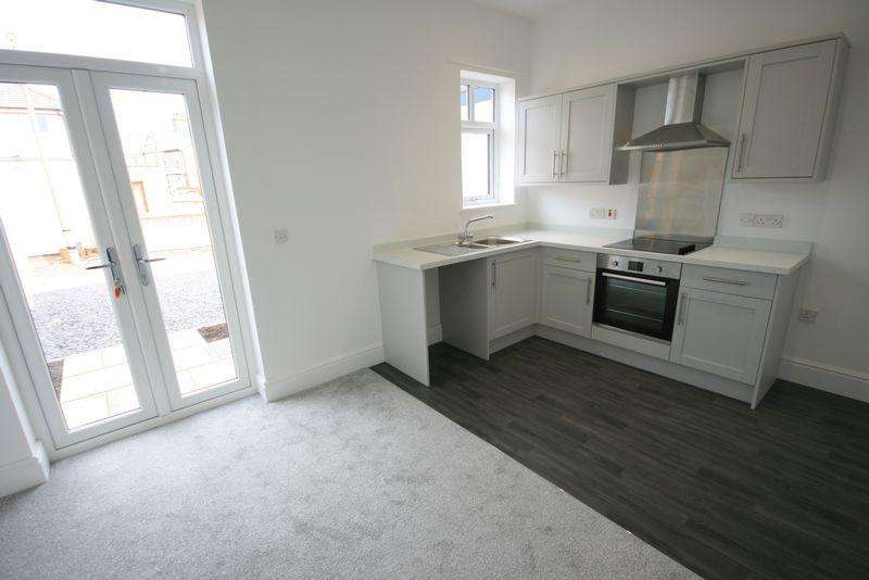 2 Bedrooms Terraced House for sale in St Margarets Road, Llandudno Junction