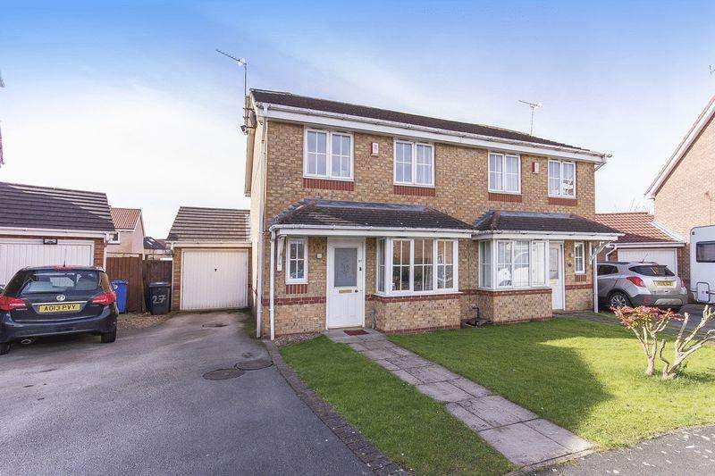 3 Bedrooms Semi Detached House for sale in TUPHALL CLOSE, CHELLSTON