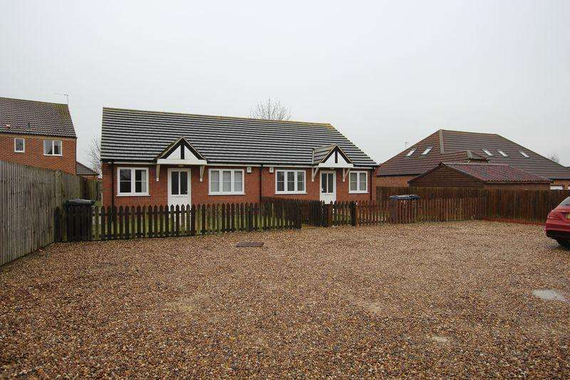 2 Bedrooms Semi Detached Bungalow for sale in 2 Hawthorn Chase, Cherry Willingham