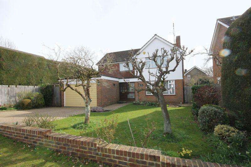 4 Bedrooms Detached House for sale in Ferndale Road, Burgess Hill, West Sussex