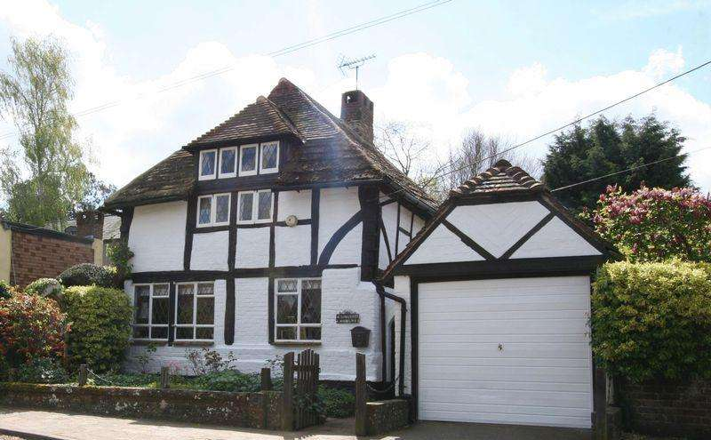 3 Bedrooms Detached House for rent in Mill End, Henfield