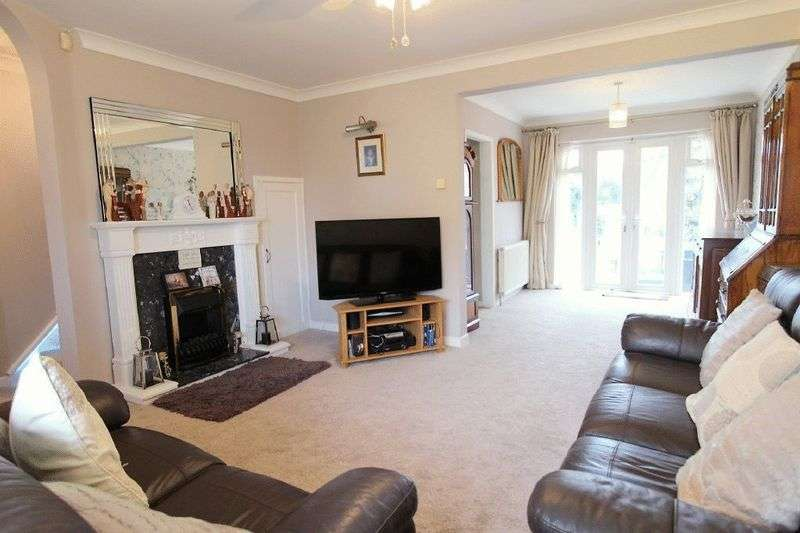 3 Bedrooms Property for sale in Chase Road Brownhills, Walsall