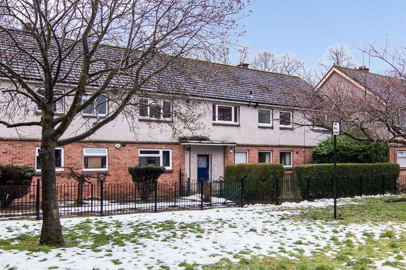 3 Bedrooms Property for sale in Flat 4, 44 Ardshiel Avenue, Clermiston, Edinburgh, EH4 7HS