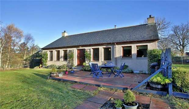 4 Bedrooms Detached Bungalow for sale in Pittenderich, Lumphanan, Banchory, Aberdeenshire