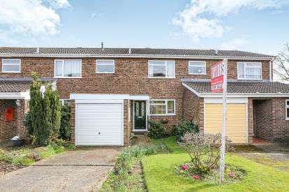 3 Bedrooms Terraced House for sale in Falcon Cresent, Flitwick, Bedford, Bedfordshire