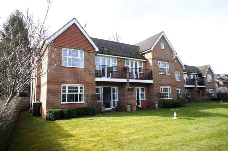 2 Bedrooms Apartment Flat for sale in St Peter`s Avenue, Caversham Heights