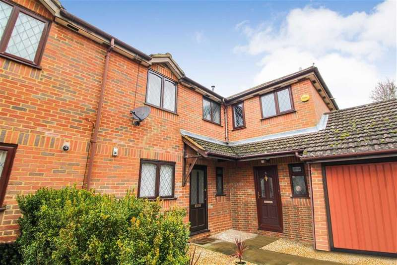 3 Bedrooms Terraced House for sale in Blumfield Court, Slough, Berkshire