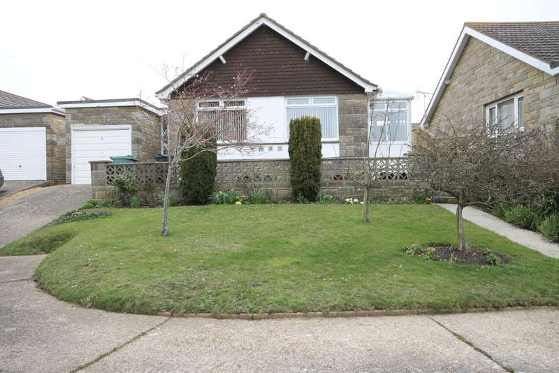 3 Bedrooms Detached Bungalow for rent in Chine Close, Freshwater
