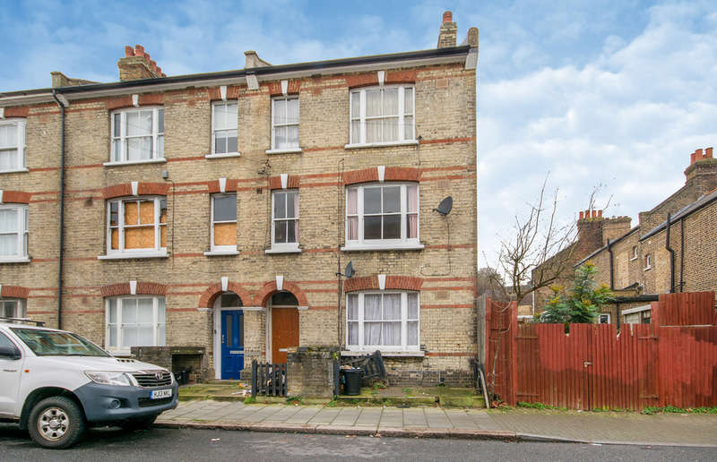 2 Bedrooms Flat for sale in St Gothard Road