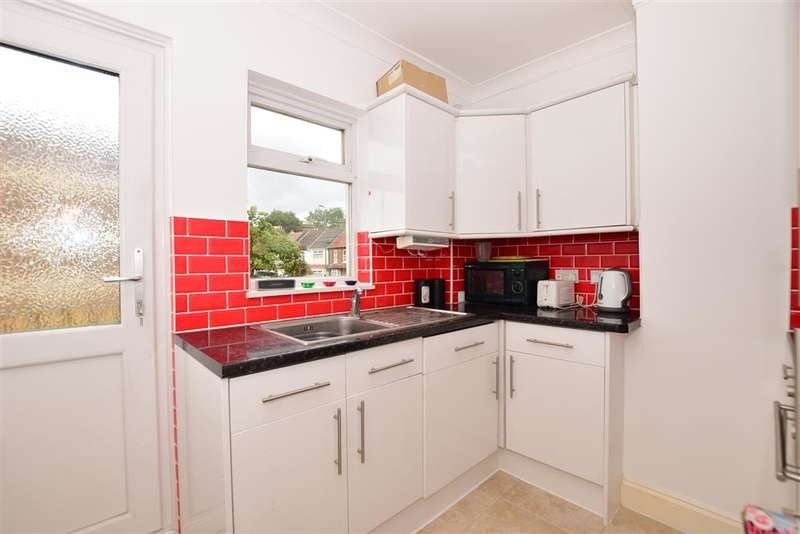 2 Bedrooms Maisonette Flat for sale in Chingford Lane, , Woodford Green, Essex
