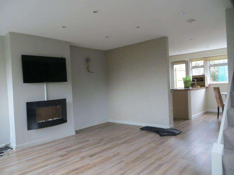 3 Bedrooms House for rent in Three Bedroom End of Terrace House