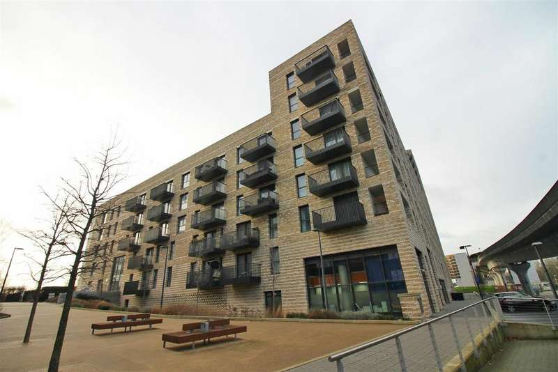 2 Bedrooms Flat for sale in Bramwell Way, London