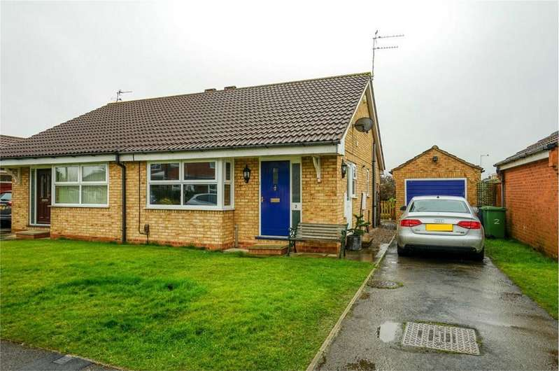 2 Bedrooms Semi Detached Bungalow for sale in Greystoke Road, Rawcliffe, York