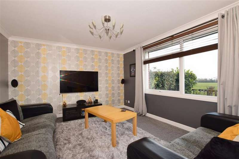 3 Bedrooms Terraced House for sale in Anzio Crescent, Guston, Dover, Kent