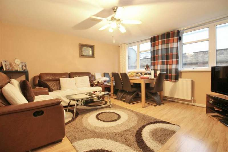 3 Bedrooms Maisonette Flat for sale in Ayley Croft, Enfield