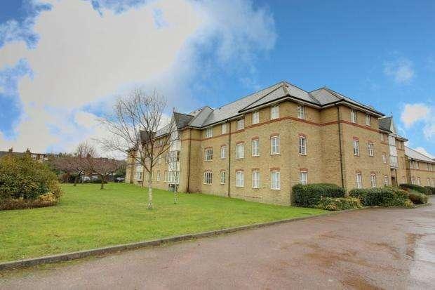 2 Bedrooms Flat for sale in Gordon Road, Enfield