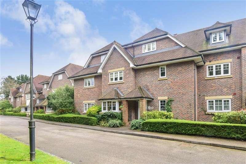 2 Bedrooms Ground Flat for sale in Babylon Lane, Lower Kingswood, Tadworth, Surrey