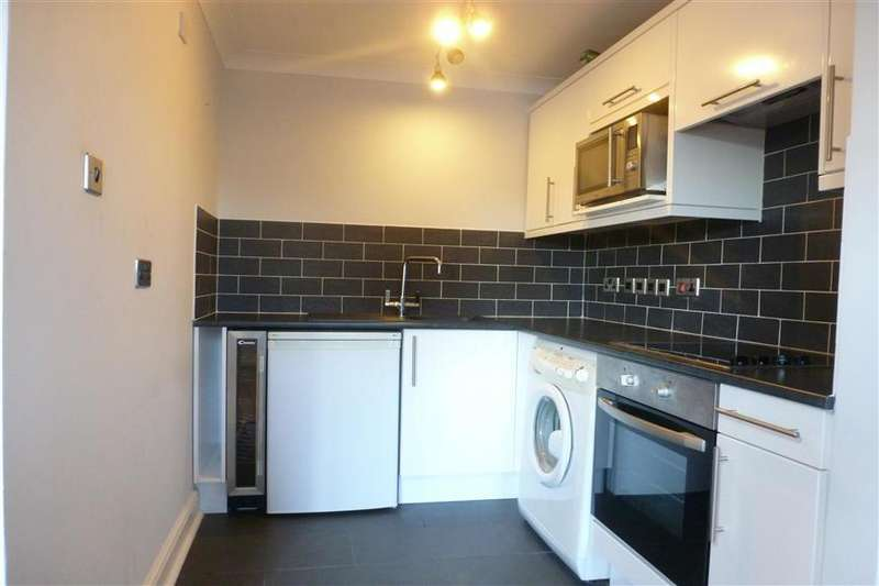 2 Bedrooms Flat for sale in High Street, Bognor Regis, West Sussex