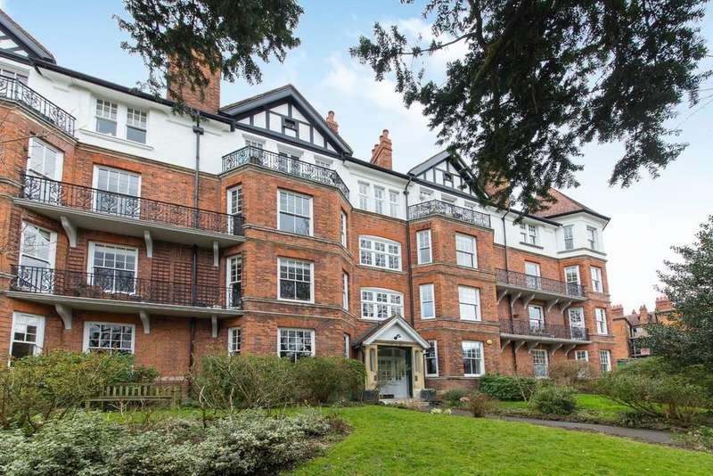 4 Bedrooms Apartment Flat for sale in Brookfield Mansions, Highgate West Hill, N6