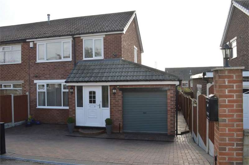 3 Bedrooms Semi Detached House for sale in Norwood Grove, Birkenshaw, West Yorkshire
