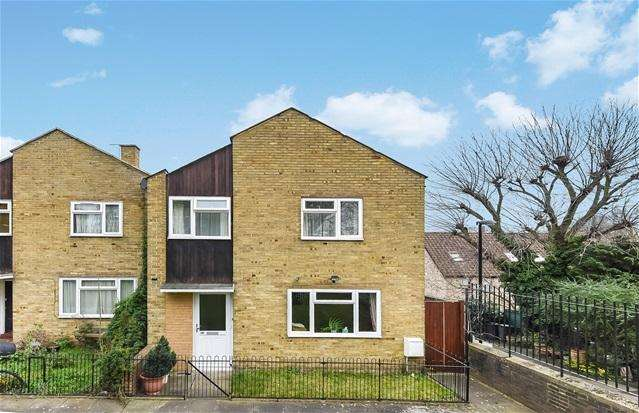 3 Bedrooms End Of Terrace House for sale in Foxborough Gardens, Brockley