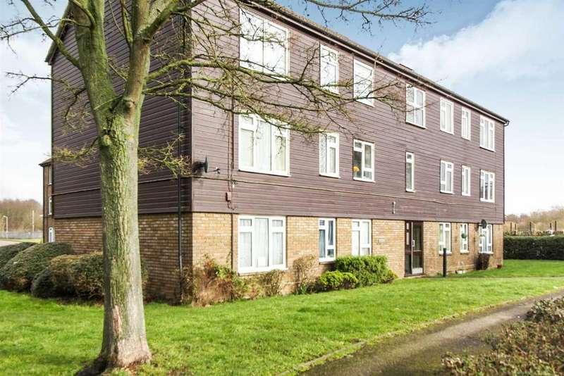 2 Bedrooms Flat for sale in Landau Way,Turnford, Broxbourne, Herts, EN10