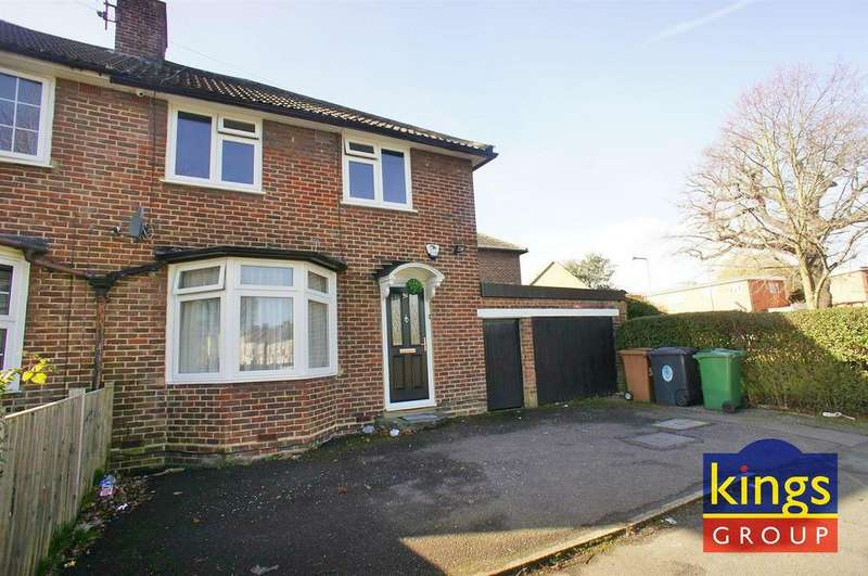 3 Bedrooms Semi Detached House for sale in Normanton Park, London