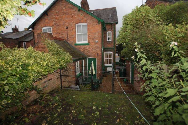 2 Bedrooms Cottage House for rent in The Roadside, Christleton