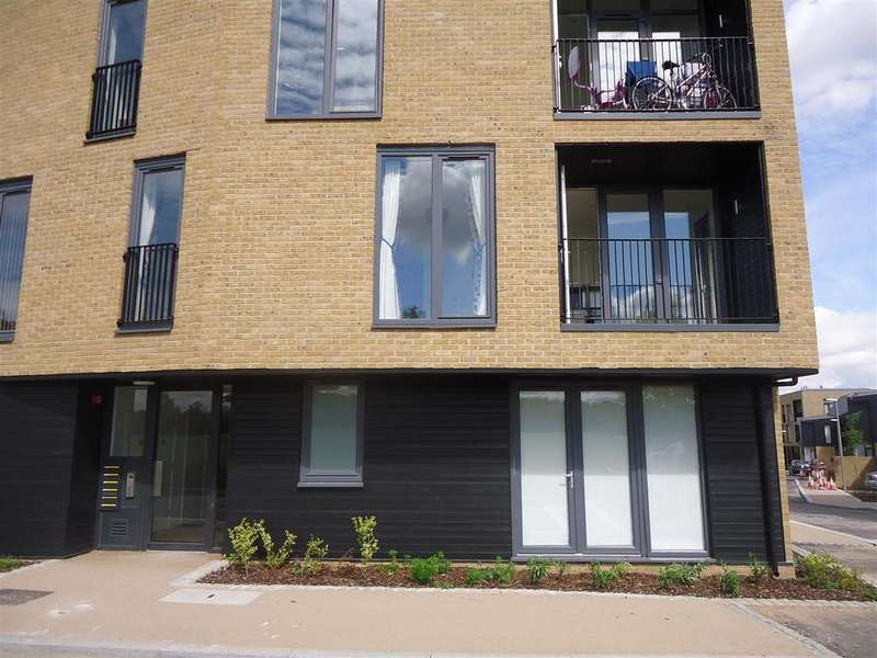 2 Bedrooms Flat for rent in Braggowens Ley, Newhall