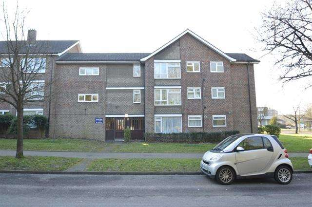 1 Bedroom Flat for sale in Grove Lane, Coulsdon