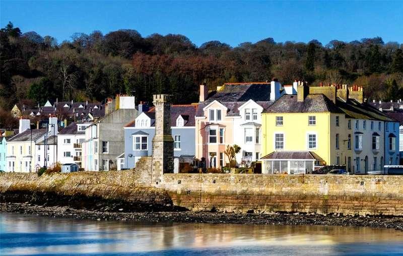 6 Bedrooms Terraced House for sale in Castle Street, Beaumaris, Gwynedd