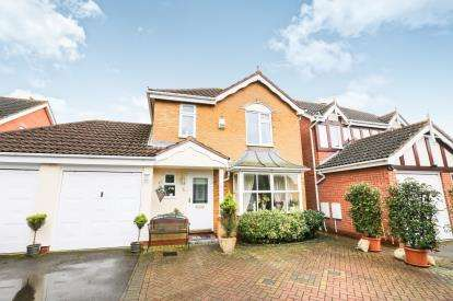 4 Bedrooms Detached House for sale in Churchill Way, Shefford, Bedfordshire, England