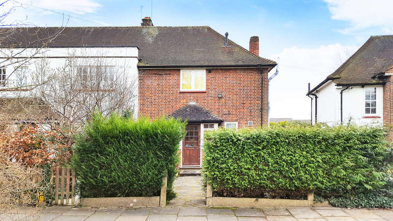 2 Bedrooms End Of Terrace House for sale in Latimer Gardens, Pinner