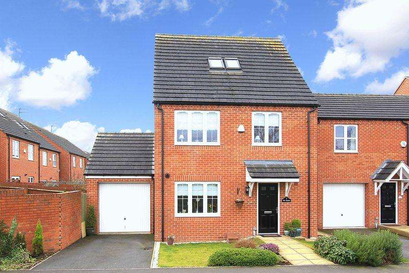 5 Bedrooms Detached House for sale in WOMBOURNE, Holloway Court