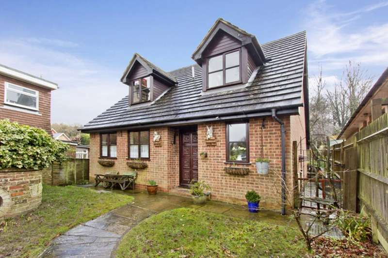 3 Bedrooms Detached House for sale in Western Road, Crowborough