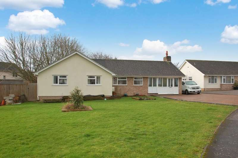 3 Bedrooms Detached Bungalow for sale in Ringwood Road