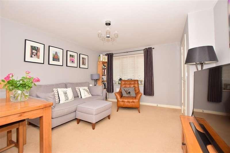 2 Bedrooms Terraced House for sale in Primrose Avenue, Sittingbourne, Kent
